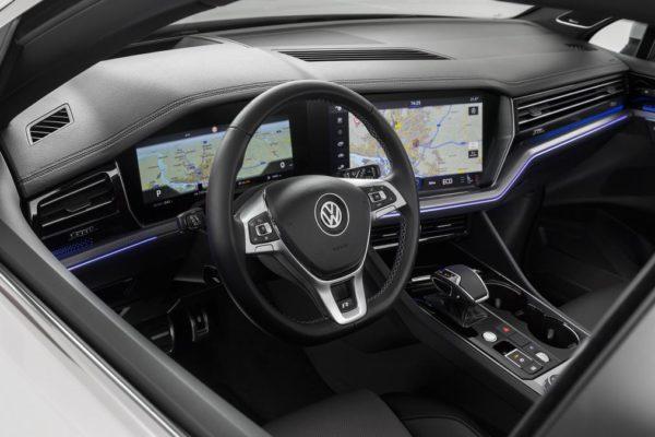 new-touareg-white-interior-18